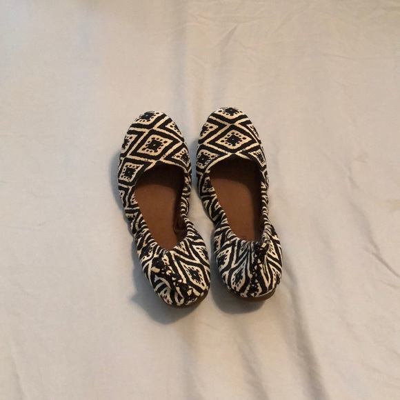 Lucky Brand Shoes - Black and white slip ons